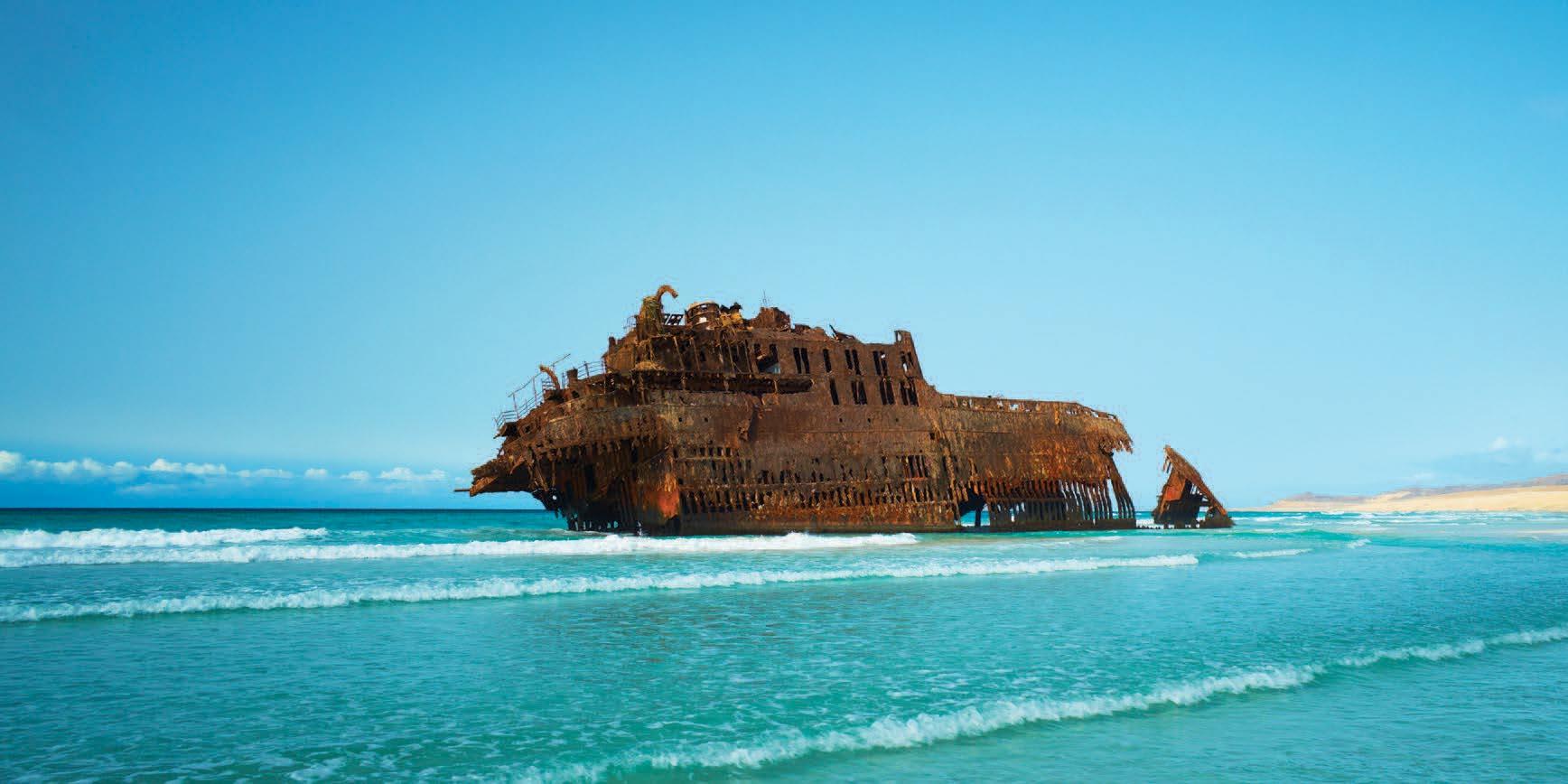 Excursion entre plages de sable fin et baignade, petits villages, Picos et déserts et oasis