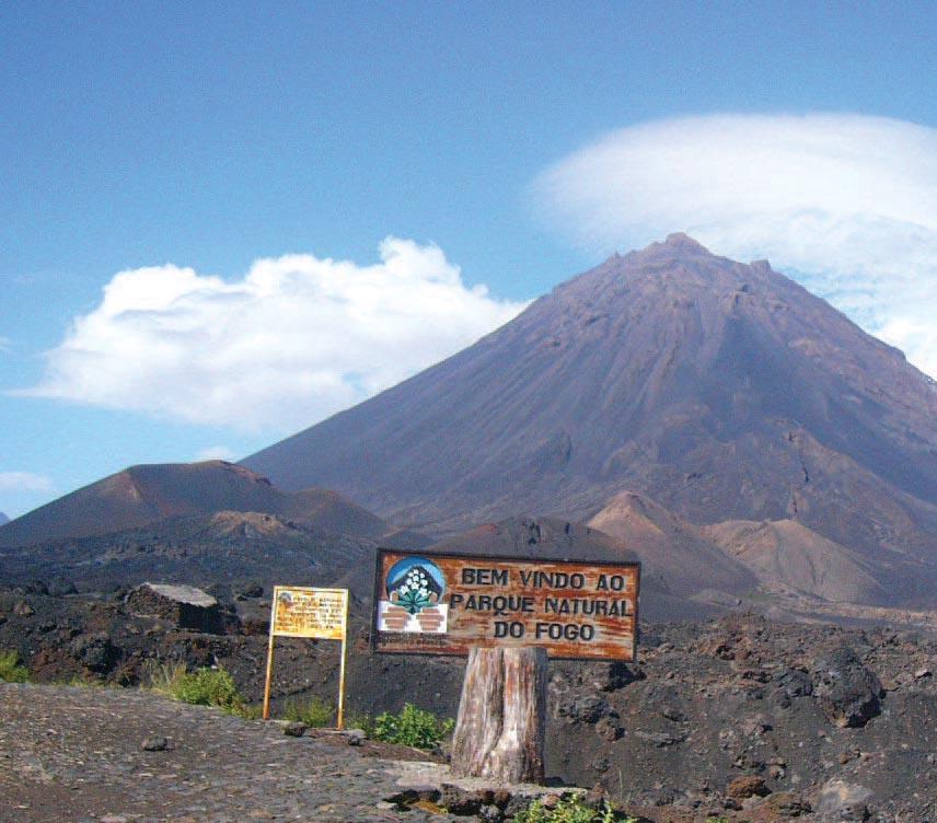 Visite de l'île de Fogo: Les Salines de São Jorge, Mosteiros, Cova Figueira, Espigão et le volcan Pico de Fogo