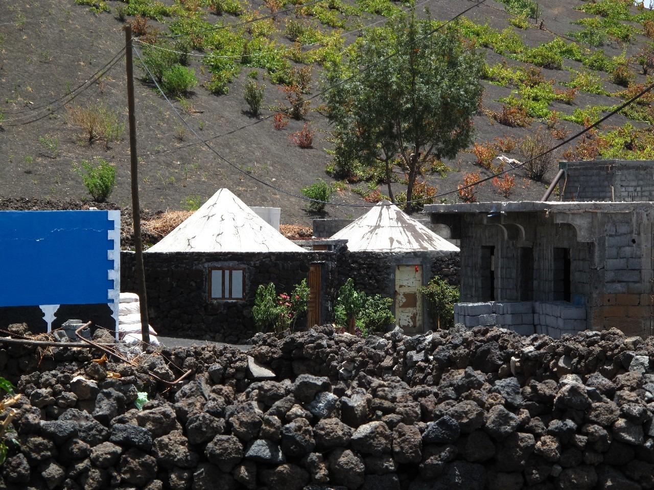 Découverte des Salines de São Jorge, du centre historique de Mosteiros, Cova Figueira, Espigão et le volcan Pico de Fogo
